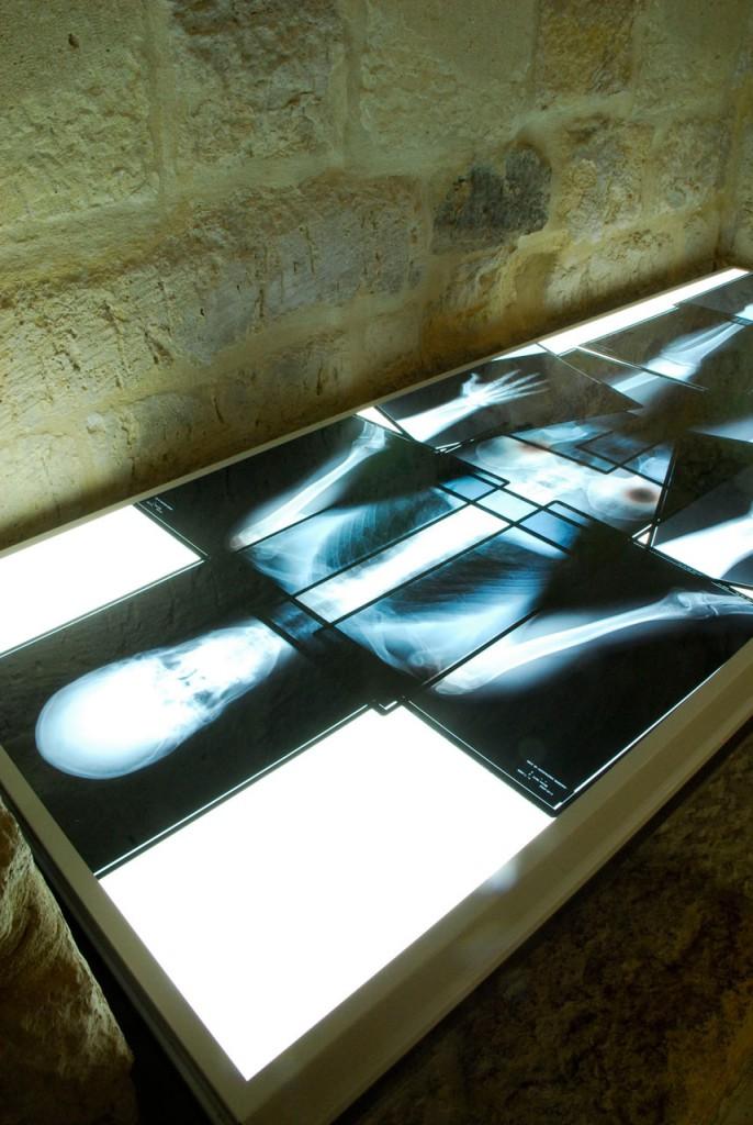 Reliquias artista Exposición Mateo Maté